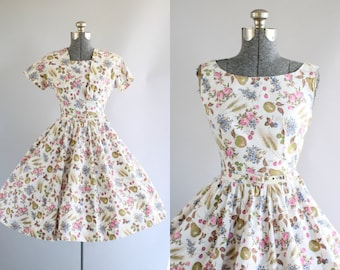 Vintage 1950s Dress / 50s Cotton Dress / Sambo Fashions Floral and Fruit Novelty Print Dress w/ Matching Belt and Bolero M