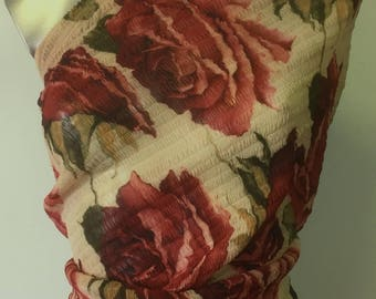 3 m CHIFFON bubbled, printed with roses, very soft, stretchy 2 ways, locker C3