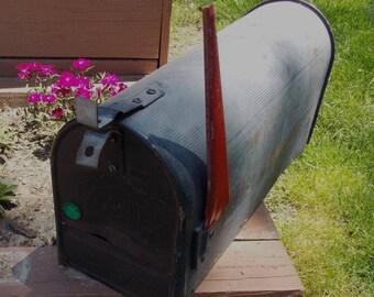 vintage black rural mailbox standard Usps mailbox with red flag metal u.s. mail