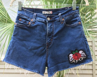 double trouble skullz! size 2 vintage highwaisted distressed & frayed levi denim shorts with custom skull patch, vintage, mom jeans