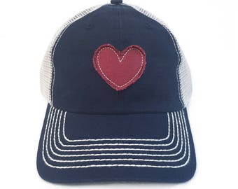 Womens Baseball Hat Heart Patch Vintage Trucker Hat For Women Heart Gifts Frayed Heart Appliqué Vintage Baseball Cap Love Gifts