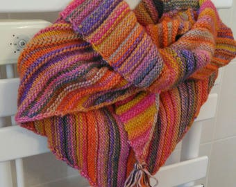 Shoulder multicolor knitted hand