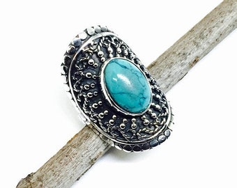 10% Turquoise ring set in sterling silver 925. Size -8. Genuine natural American turquoise .
