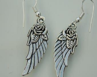 Silver plated // Flower wing earrings