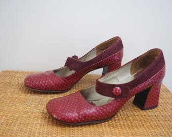 vintage 60's MOD red leather & suede maryjane shoes // boho hippie go go dancer