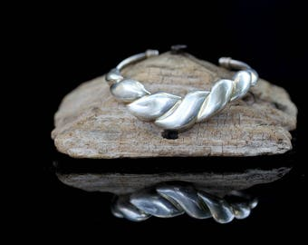 Vintage Sterling Silver Cuff Bracelet / size (7)