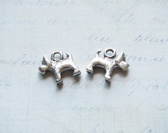 2 dog charms in silver 13x13mm