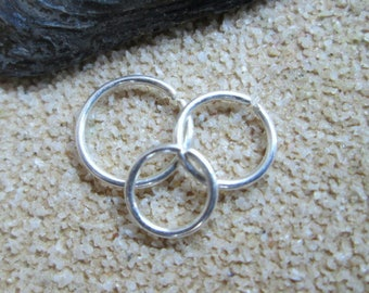 Very Tiny Silver Hoop, 4mm 5mm 6mm Hoop, Sterling Silver Thin Helix Hoop, 22 Gauge 4mm 5mm 6mm Helix Earring, Tiny Cartilage Ring