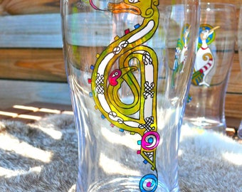 Beer glass Celtic dragon motif