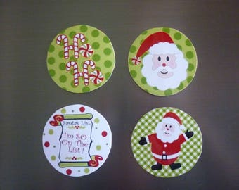 Magnet round Christmas sold in sets of 4.