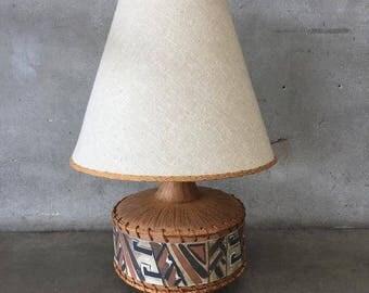Mid Century Native American Tribal Lamp (1Y8LQN)