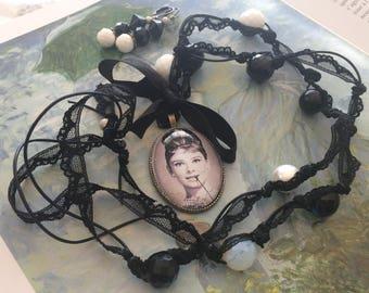 set romantic Audrey Hepburn black and white lace beads