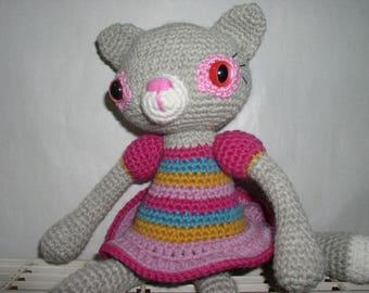 amigurumi cat crocheted in wool and alpaca