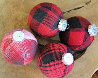 Buffalo Check Plaid Christmas Ornaments.  Set. Rustic Christmas Decor, Cabin Holiday, Tree Decoration, Christmas Ball Buffalo Plaid Ornament