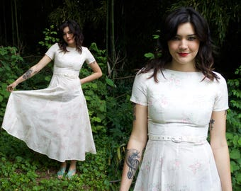 Vintage 90s White Floral Laura Ashley Midi Dress / 1990's Summer Dress / Matching Belt / Cotton Dress / Women's Size Small / Size 4