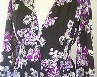 summer sale Vintage maxi dress 70s floral black purple white maxi dress v neck buttons fully to the front size large