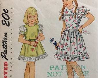 Simplicity 1910 girls dress size 7 vintage 1940's sewing pattern  Uncut  Factory folds