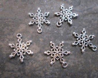 Snowflake charms Package of 5 antique silver highly detailed charms double sided Christmas Charms