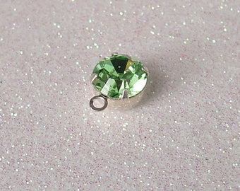 SILVER SWAROVSKI PERIDOT 8MM WITH RING PENDANT