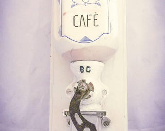 Vintage B.G. Coffee Grinder Wall Mount Mill Moulin cafe Kaffeemuehle Molinillo Italian c1960