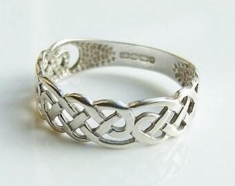 15% SALE - Vintage 9ct 9k White Gold Celtic Band Ring Size 4 1/2 - i