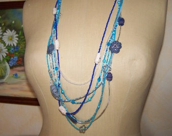 Necklace multirangs, blue necklace in rocailles