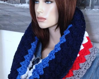Winnipeg Hockey Colors Handmade Chunky Cowl Scarf Infinity Scarf Winter Cowl Blanket Stitch in Reversible Colors READY TO SHIP