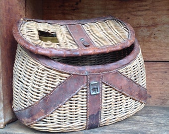 Vintage Fishing Creel, Vintage Fishing Basket, Cabin Decor, Fishing Lodge Decor, Wicker and Leather Fishing Basket, Fly Fisherman Gift