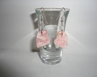 Feather Ridge Plume Agate Heart, Sterling Silver Dangle Wire Earrings