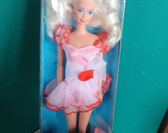 Mattel Valentine Red Romance Barbie vintage New in box Special Edition