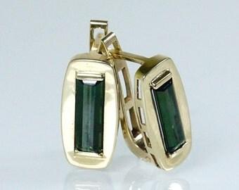 Vintage Green Tourmaline 14 Carat  Gold Earrings