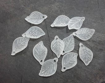 Leaf charms with tree leaf pendants, acrylic, transparent white, 18 x 11 mm