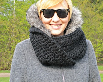 Chunky black scarf cowl Crochet scarf Crochet cowl Black infinity wool scarf Women circle scarf Crochet chunky scarf Circle cowl scarf