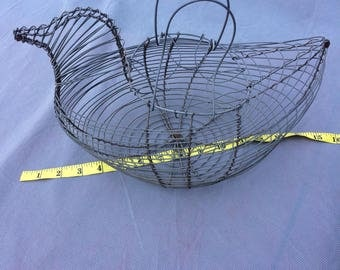 Wire Chicken Hen Egg Basket - Country Rustic Metal Decor - Vintage