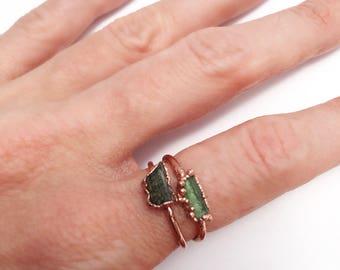 Raw Moldavite Ring, Moldavite Ring, Green Stone Ring, Moldavite Stacking Ring, Copper Ring, Gemstone Stacking Ring, Rings, Jewelry