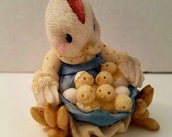 Enesco Don't Count Your Chickens Until They're Hatched 167789 Vintage 1995 Chicken Hen Chicks Figurine Hen and Chicks