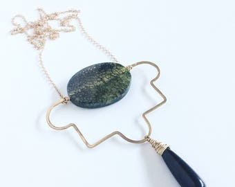 Art Deco Inspired Green Agate and Onyx Teardrop Necklace with Hammered Brass Accent Piece and Gold Plated Chain, Black Green & Gold Necklace