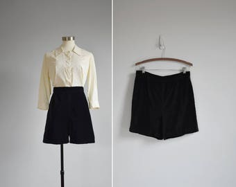 black velvet shorts / vintage high waisted tuxedo shorts / womens L