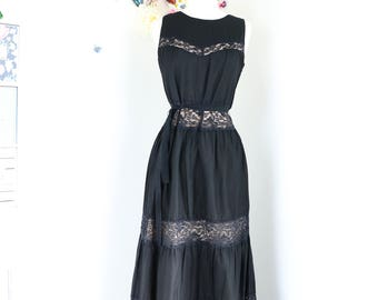 "1990s Romantic Vintage Boho Tired Lace Maxi Dress - S/M 29"" Waist - Black - Summer Cotton - Sleeveless - Feminine Midi Dress - Back Bow Tie"