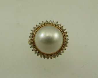 Mabe 12.1 mm White Pearl Ring 14k Yellow Gold and Diamonds 0.27ct