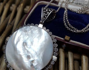 Vintage 925 sterling silver necklace, large mother of pearl pendant, beautiful