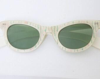 RARE Cateye 1950s Sunglasses with Rhginestone inlay / France/La Lu brand