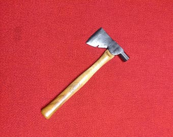 Vintage True Temper Carpenters Hatchet Hammer Hickory Handle Hart Tool Co.