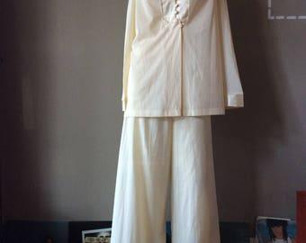 Vintage 1970s Pajama Set / 70s Palazzo Pants Pyjamas / 1970's Gold Pajamas / 70's Bohemian Hippie PJs Yellow Off White Loungewear Gift Ideas