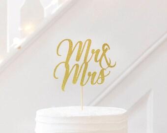 Mr & Mrs Wedding cake topper. Wedding cake topper. Wedding decorations. Table decor.  Gold glitter. Silver. Rose Gold. Stylish Wedding Cake.