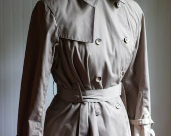 London Fog Tan Trench Coat, Vintage Rain Coat, Womens Vintage, Womens Vintage Rain Coat, Vintge Trench Coat, Womens Coats, Vintage