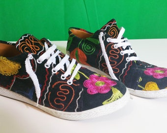 embroidered shoes, embroidered leather sneakers, embroidery flat shoes, womens flats, black shoes leather insole