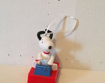Peanuts Snoopy Ornament