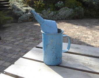 Broc ancien tôle mécanique . Old enamelled sheet. Old pitcher.  Vintage. France