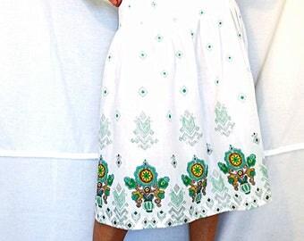 White pleated skirt floral midi skirt bohemian women skirt size Large vintage 70s